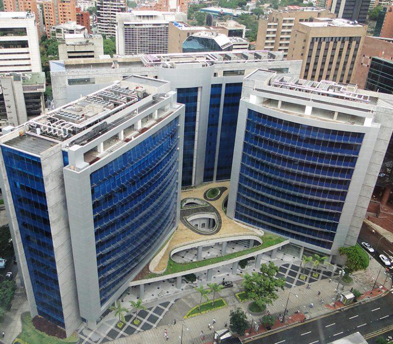 138-09-Centro-Empresarial-Galipan-El-Rosal